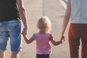 W przypadku dziedziczenia ustawowego w pierwszej kolejności dziedziczą dzieci i małżonek spadkodawcy.
