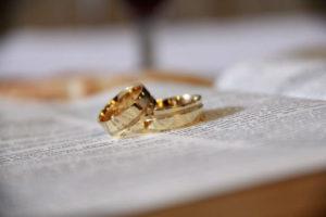 Ustalenie, że małżeństwo nie istniało ma zawsze wpływ na ustalenie kręgu spadkobierców.